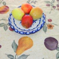 яблоки против слив и груш :: Mихай Оршанский