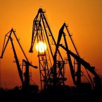 Портовые работники :: Дмитрий Мартынюк
