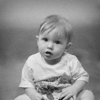 Малышка с игрушкой :: Елена Лоскутова