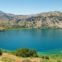 Горное озеро на Крите. :: Eduard Sadala