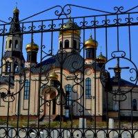 храм в Тарко-Сале :: Лариса Красноперова