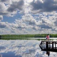 На озере :: Валерий Талашов