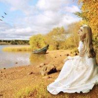 Леди у озера. :: Анюта Веселова
