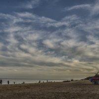 Песчянный пляж :: Александр Кузин