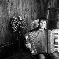 С баяном :: Андрей Богданов