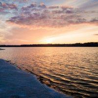 Багряный закат на Волге :: Олег Субботин
