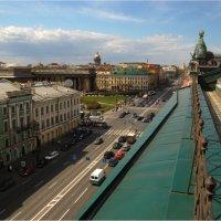 Петербург. И снова - мы гуляли ...... над Невским. :: Михаил Палей