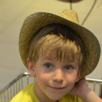 Муська в шляпе :: Харон