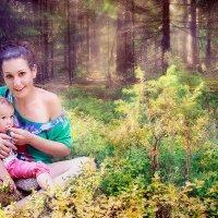 Мы с дочиком лопаем чернику с куста :: Anna Lipatova