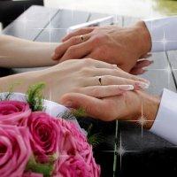 Прекрасные кольца на руках :: Елизавета Хисмадинова