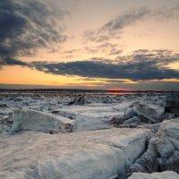 Тихий вечер после ледохода :: Vladimir Beloborodov