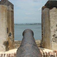 Пуэрто-Рико, испанский форт - цель Американский флот :: Александр Беляков