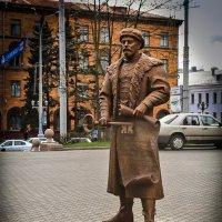 Скульптура войта (главы магистрата) на площади Свободы. Минск. :: Nonna