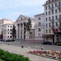 Минск.Красивый проспект :: Владимир Гилясев