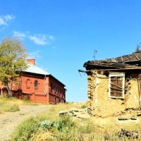Храм и дом :: Евгений Алябьев