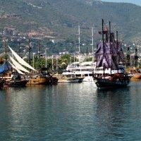 Пиратская бухта сегодня... :: Елена Байдакова
