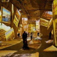 Живые картины в каменоломнях города Бо :: Alllen Polunina