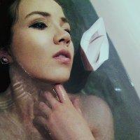 утоплю свои мысли в ванне :: Анастасия Долинская