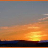 Закат из моего окна.... :: Юрий Владимирович