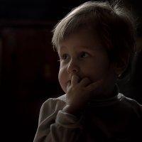 В темноте. :: Юрий Кущ