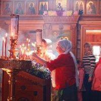 Воскресная служба в Покровском Храме на Десне... :: Детский и семейный фотограф Владимир Кот