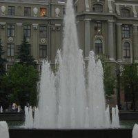 фонтан у ЖД вокзала :: Татьяна Кретова