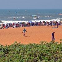 Индия, Калангут, центральная часть пляжа :: Владимир Шибинский
