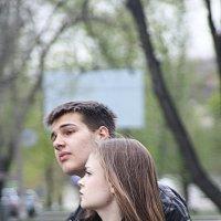 на остановке :: Руслан Веселов