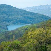Вид на озеро с Демерджи :: Солнечная Лисичка =Дашка Скугарева