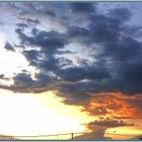 Закат перед дождём... :: Юрий Владимирович