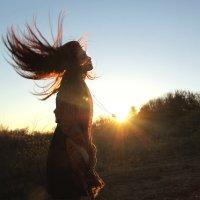 Солнечный кулончик на удачу :: Юля Итви