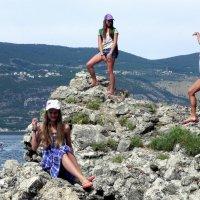 Наши девочки! Черногория.Случайное фото. :: Елизавета Успенская