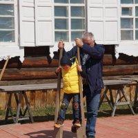 Попробую, как это ходить на ходулях! :: Наталья Тимофеева