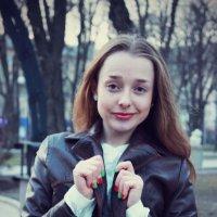 Ю :: Виктория Тихонова