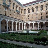 Внутренний дворик общественной библиотеки, Бостон :: Vladimir Dunye