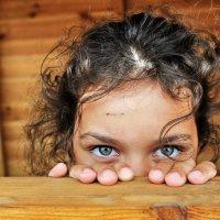 портрет девочки, не желающей позировать из-за  травмы на лбу :: Айдимир .