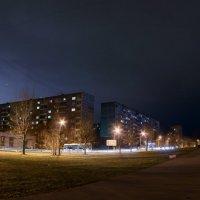 Вечерняя улица :: Сергей Тарасенко
