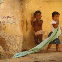 Дети в Каньякумари. :: Анастасия Кононенко