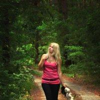 лес и девушка :: Tanya Rodionova
