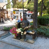 Памятник кинофестивалю в Ялте :: Сергей Sahoganin