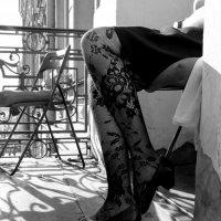 Sunlight on the balcony :: Alexandra Osen'
