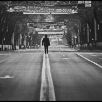 По главной улице... :: Юрий Ходзицкий
