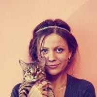 Девушка и кошка :: Маша Путина