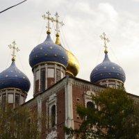 Храм на соборной площади в Рязани :: Ирина Юдина