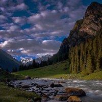 Раннее утро в горах. :: Kенжебек Токочев