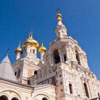 Храм Александра Невского в Ялте :: Сергей Sahoganin