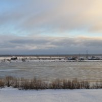 Река сковывается льдом :: Вера Покровская