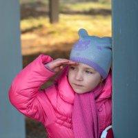 Девочка и кораблик :: Лариса Захарова