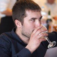 Несколько глотков вина :: Сергей Михальченко