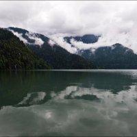 Озеро Рица. :: Георгий Ланчевский